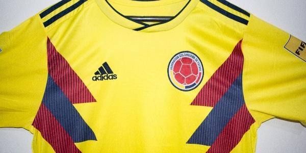 Marketing Registrado menciono en un informe que la camiseta de la Selección  Colombia para este Mundial Rusia 2018 esta entre las 15 más costosas con un  ... e50caa25d68