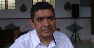 Sacerdote Jairo Chamorro, párroco.