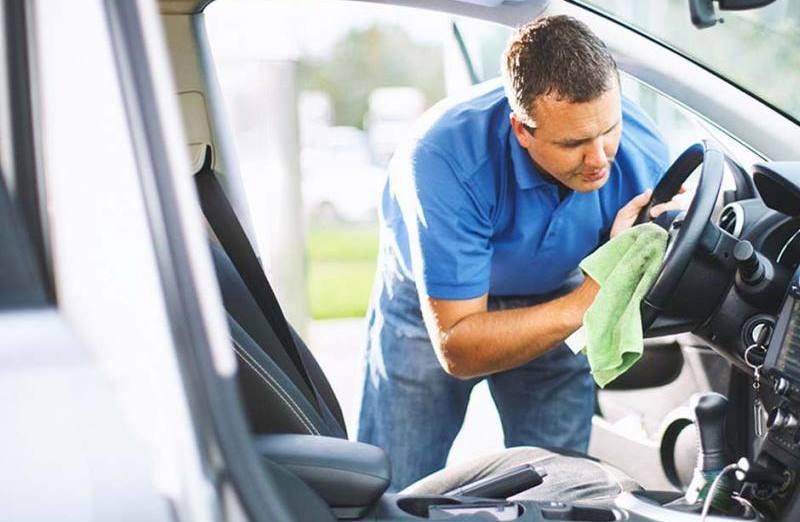 eliminar humedad en el auto